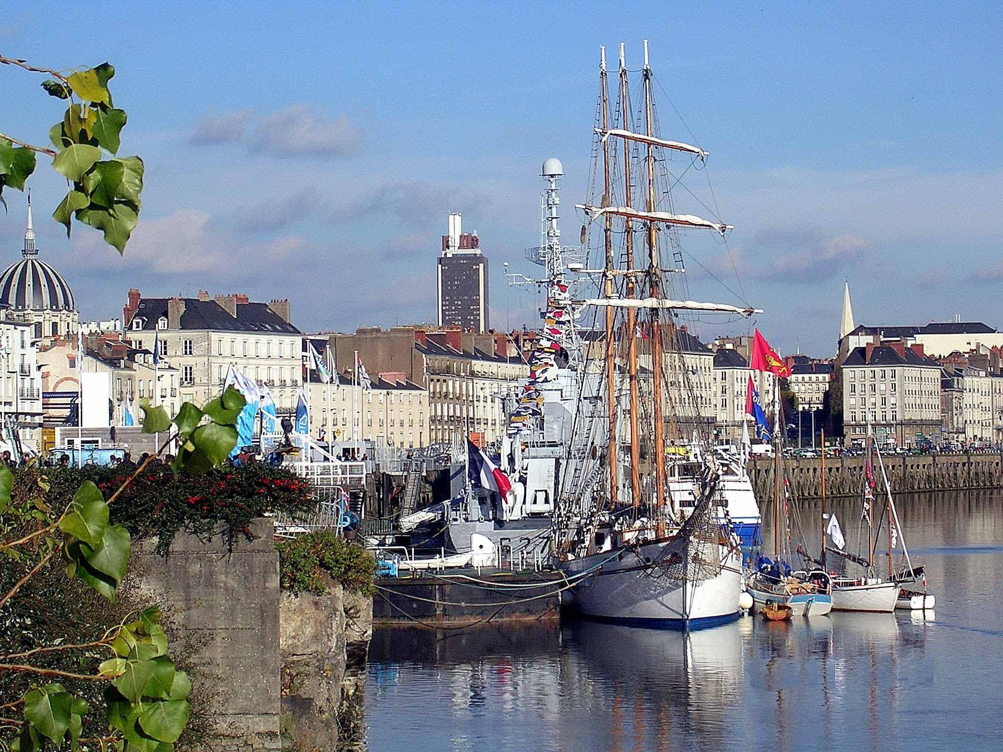All france port de nantes pays de la loire for Bretagne piscine