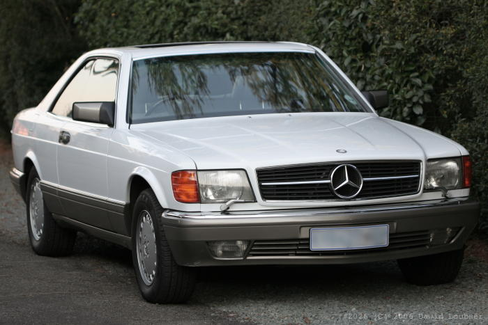 File mercedes benz 560 sec front png wikimedia commons for Mercedes benz 560