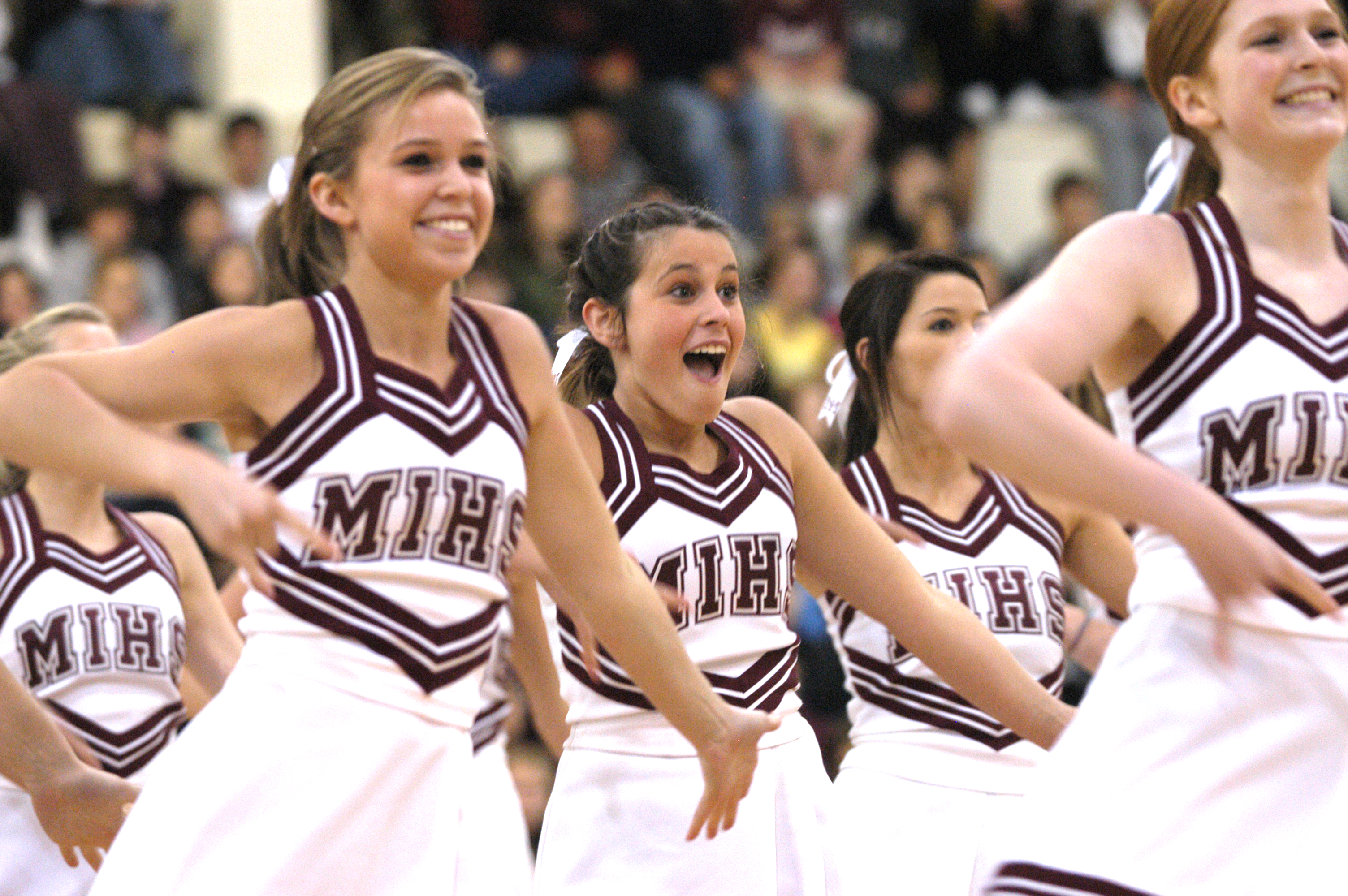 Description Mercer Island High School Cheerleaders.jpg