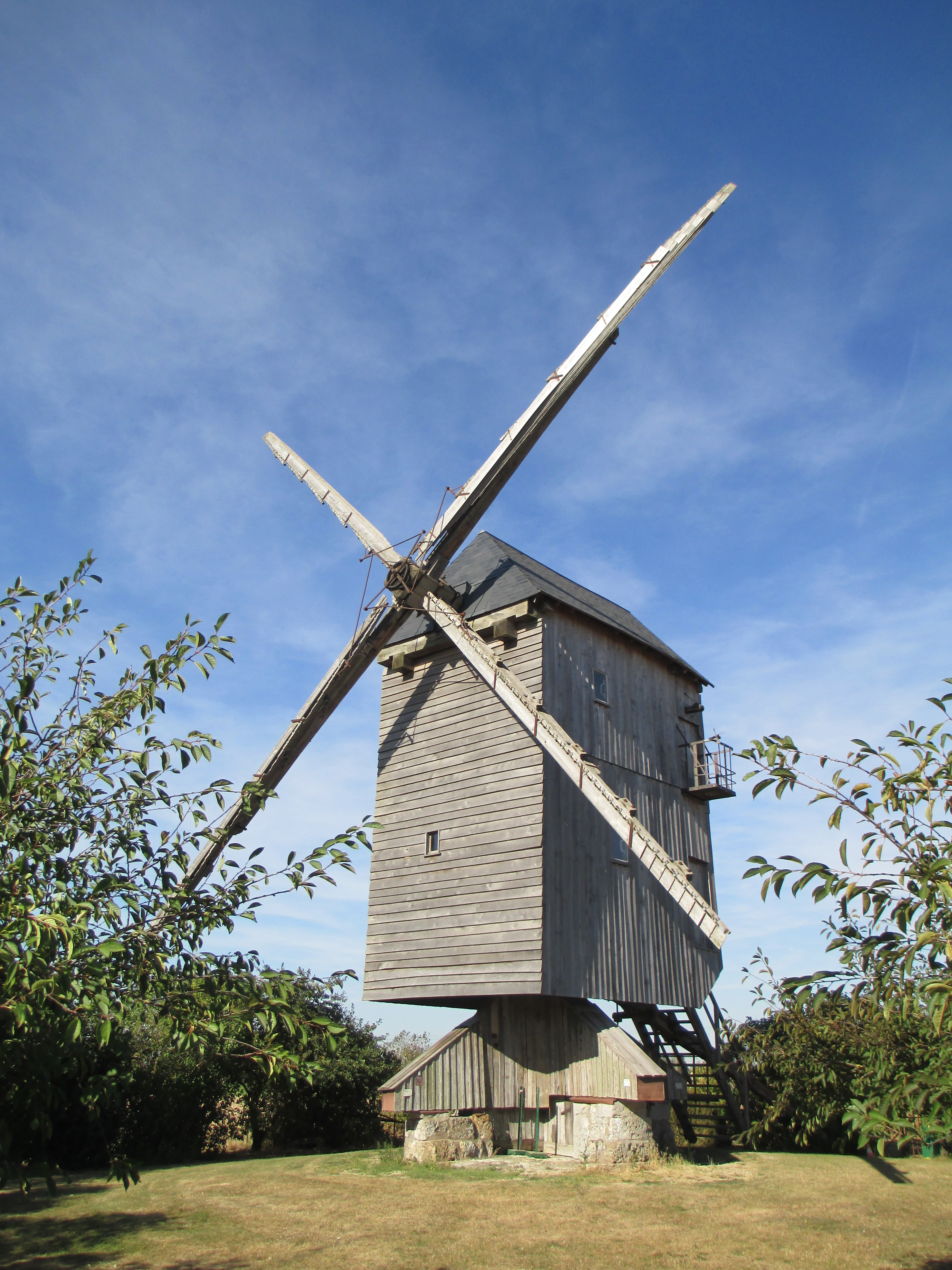 File moulin vent de chesnay 4 jpg wikimedia commons - Moulin de la borderie ...