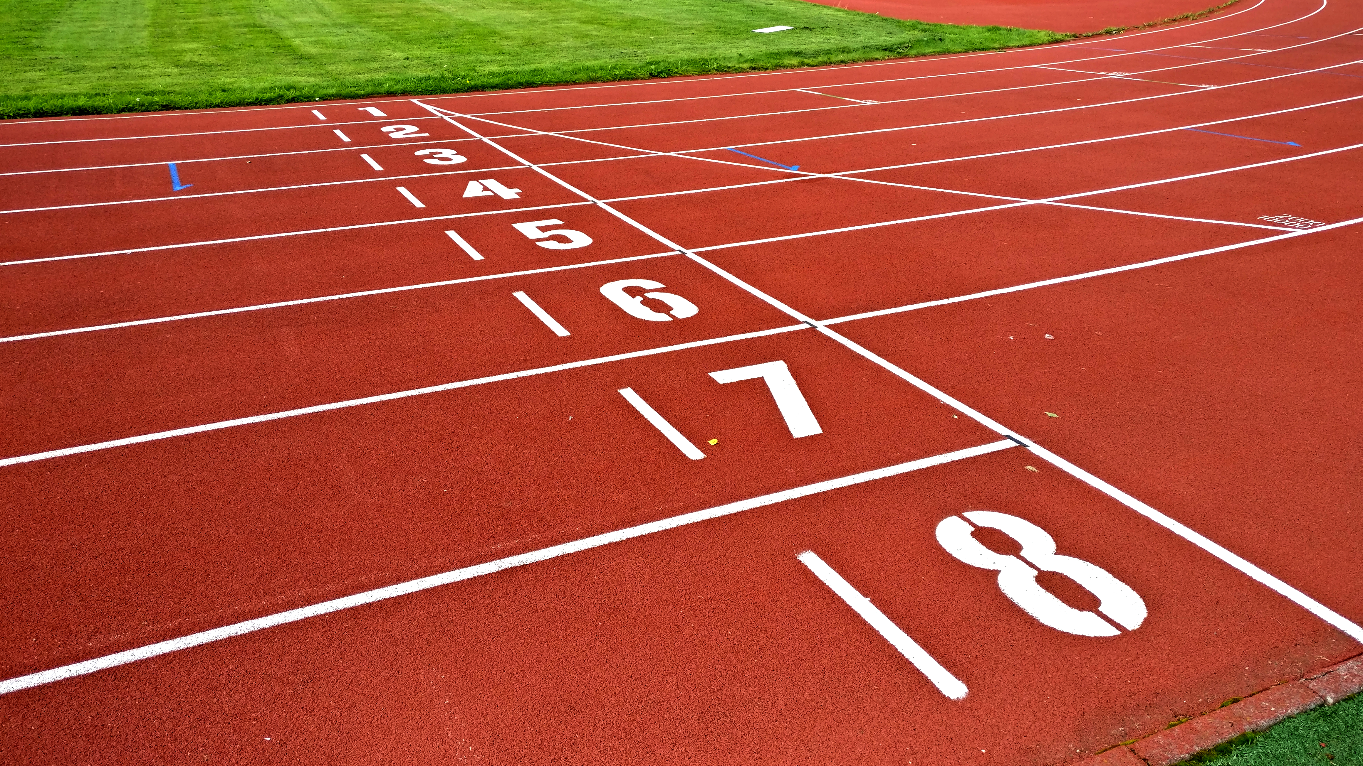 file numbers of starting line track jpg wikimedia commons