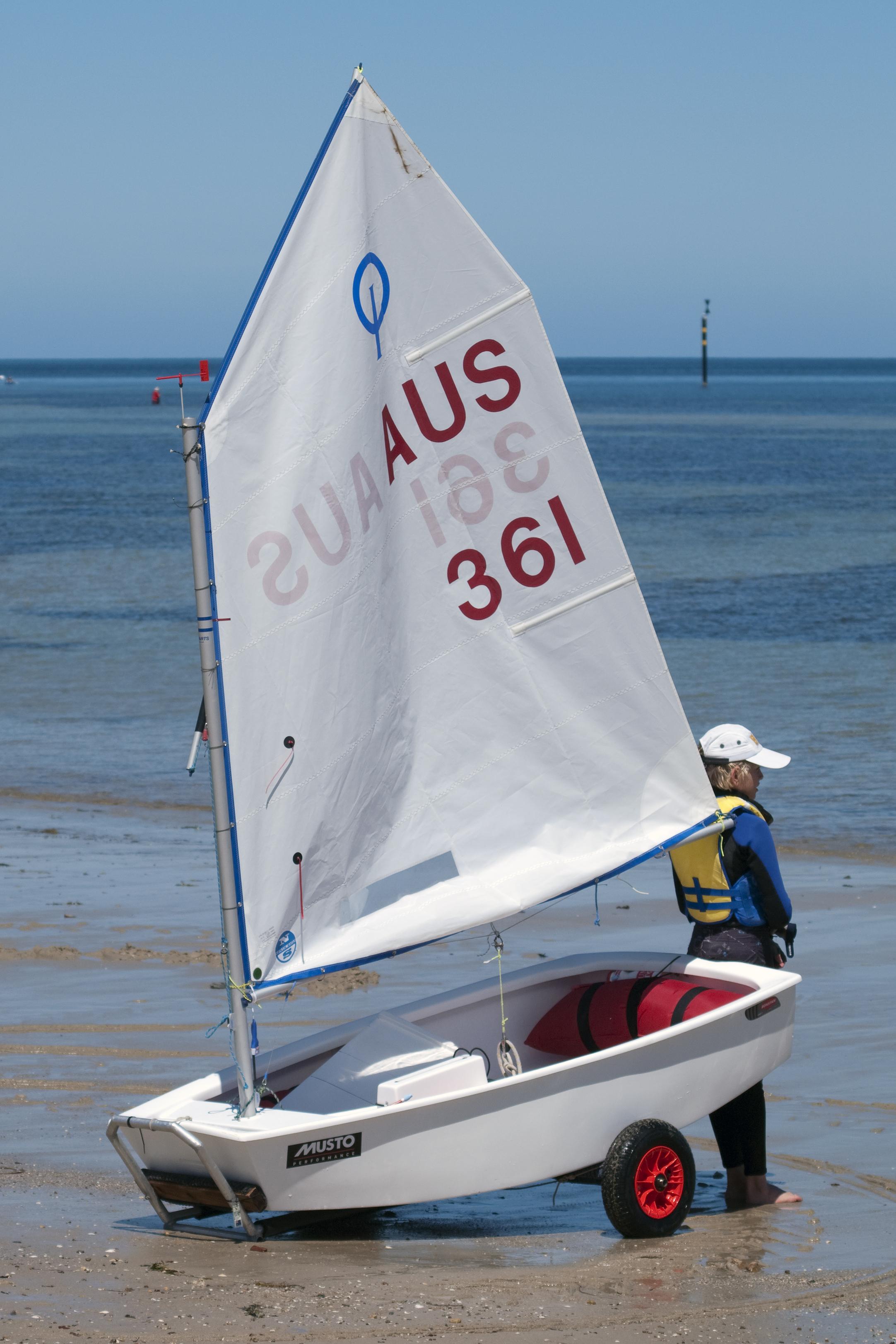 Optimist (dinghy) - Wikipedia