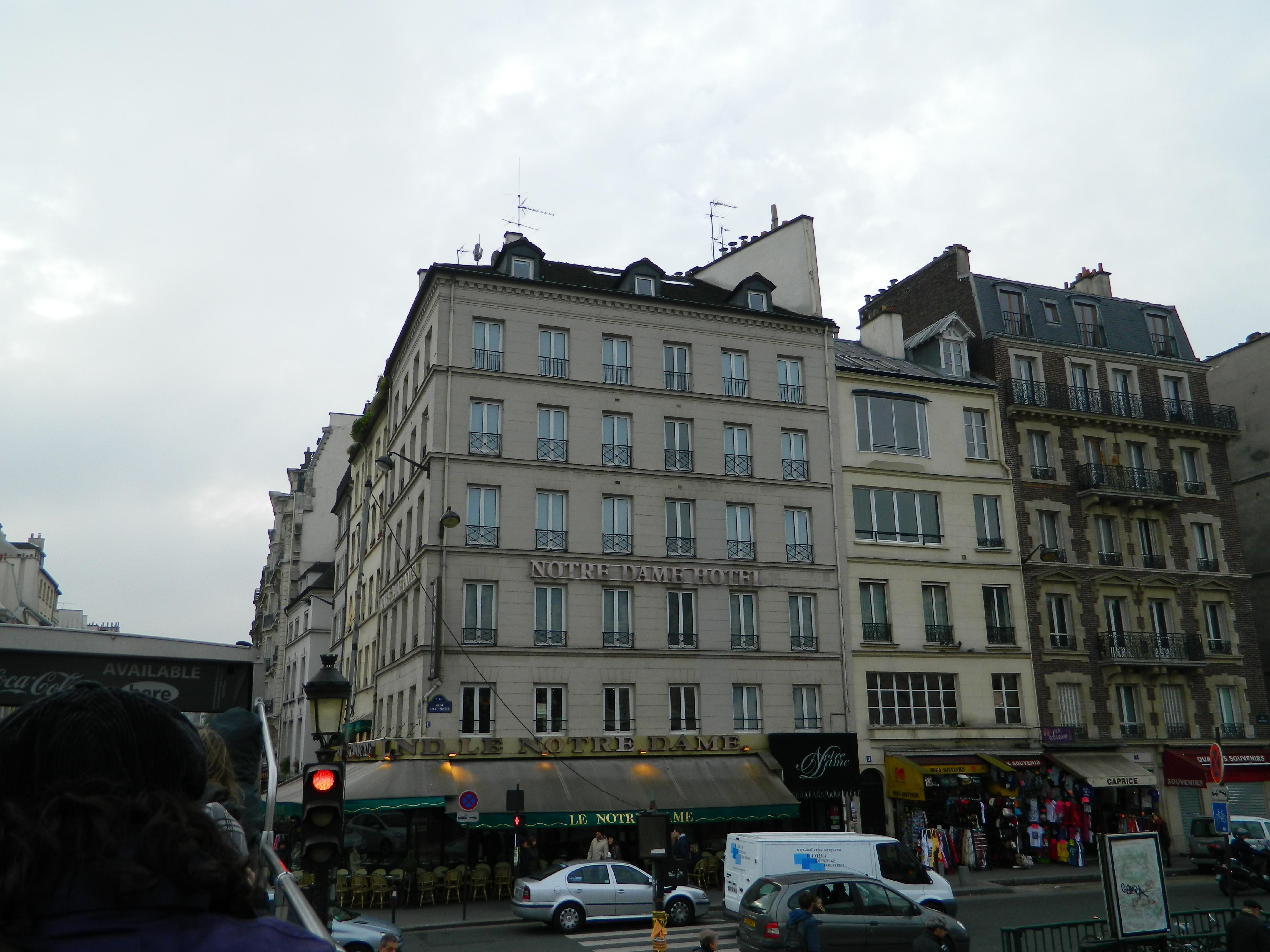 File paris 75005 hotel le notre dame quai saint michel for Hotel notre dame paris