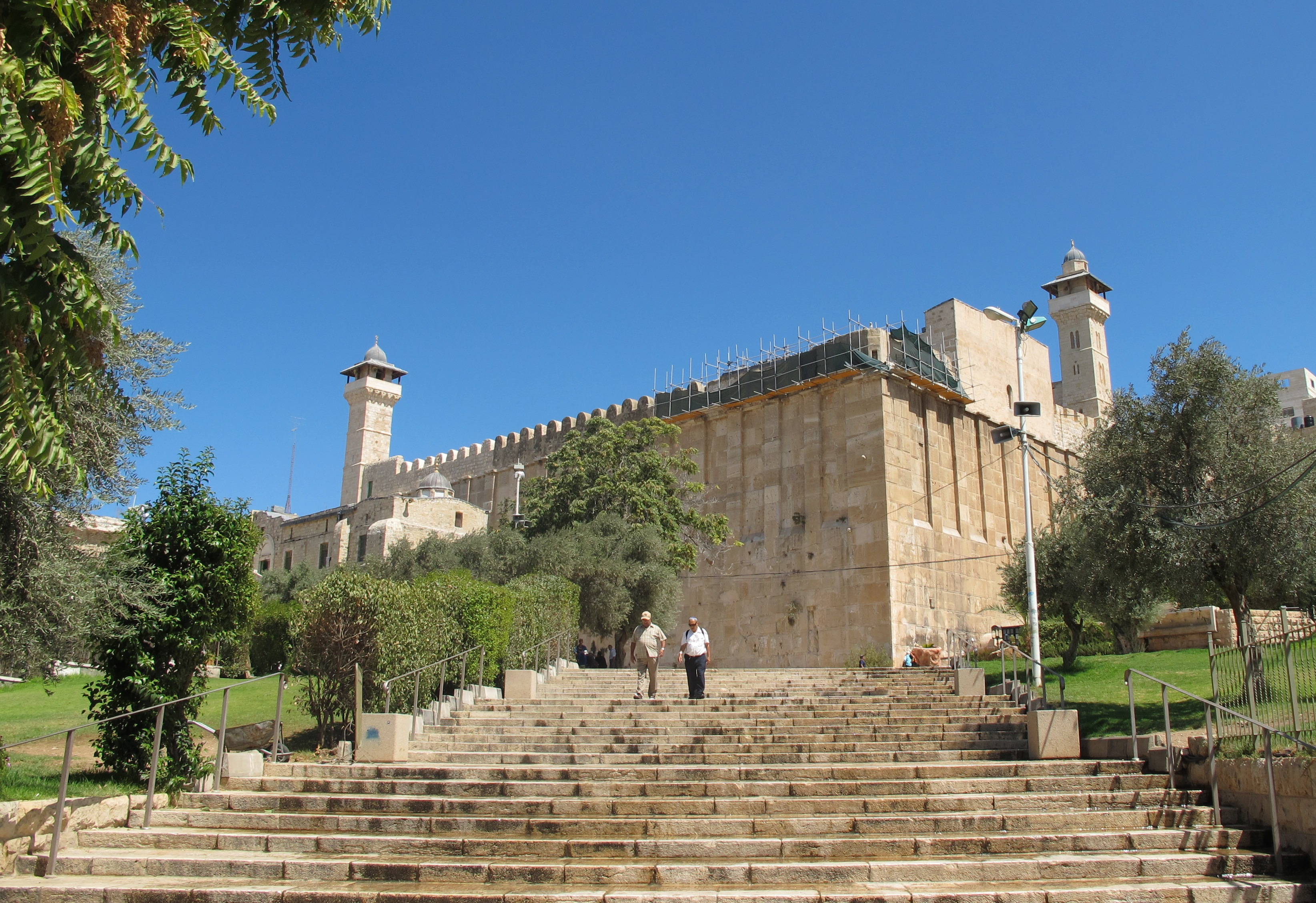 the cave of the patriarchs The tombs of the patriarchs in the west bank city of hebron is the burial place of three biblical couples  canopy over shaft to cave of machpelah (seetheholyland .