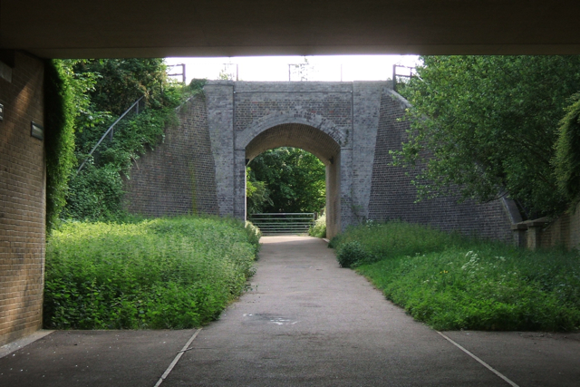 Pedestrian entrance to Daventry Country Park - geograph.org.uk - 1431676