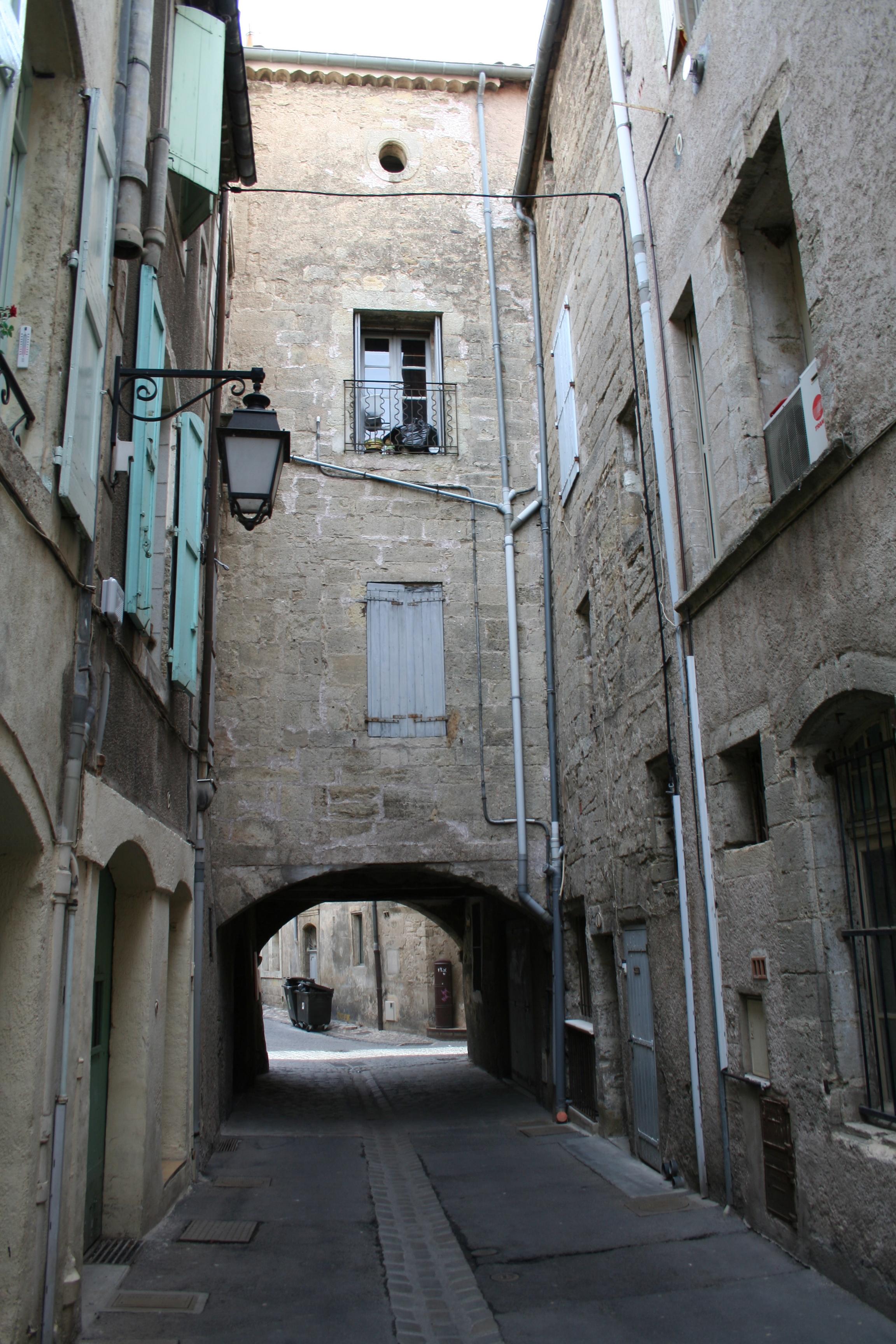 Fichier pezenas rue du ghetto jpg wikip dia - Office du tourisme de pezenas ...