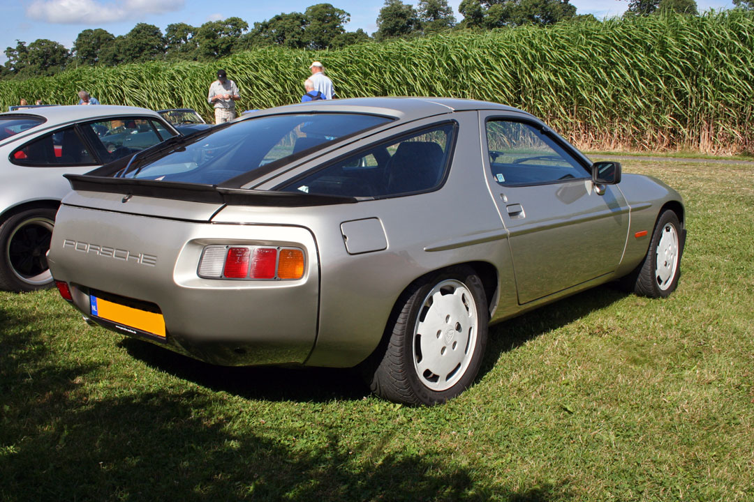 Old Porsche For Sale >> File:Porsche 928 S rear right silver.jpg - Wikimedia Commons