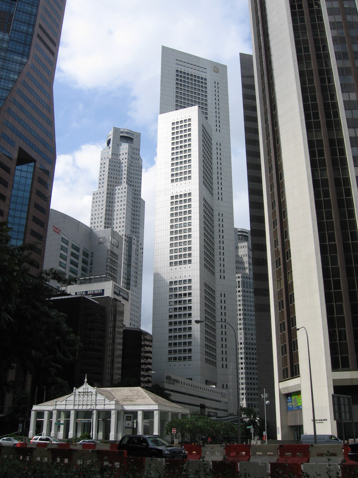 File:Raffles Place Skyscrapers, Jan 06.JPG - Wikipedia, the free ...