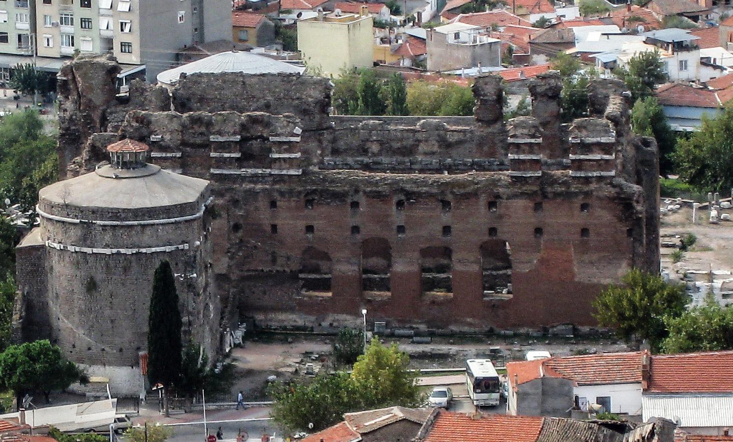 Bestand:Red basilica north view.jpg - Wikipedia