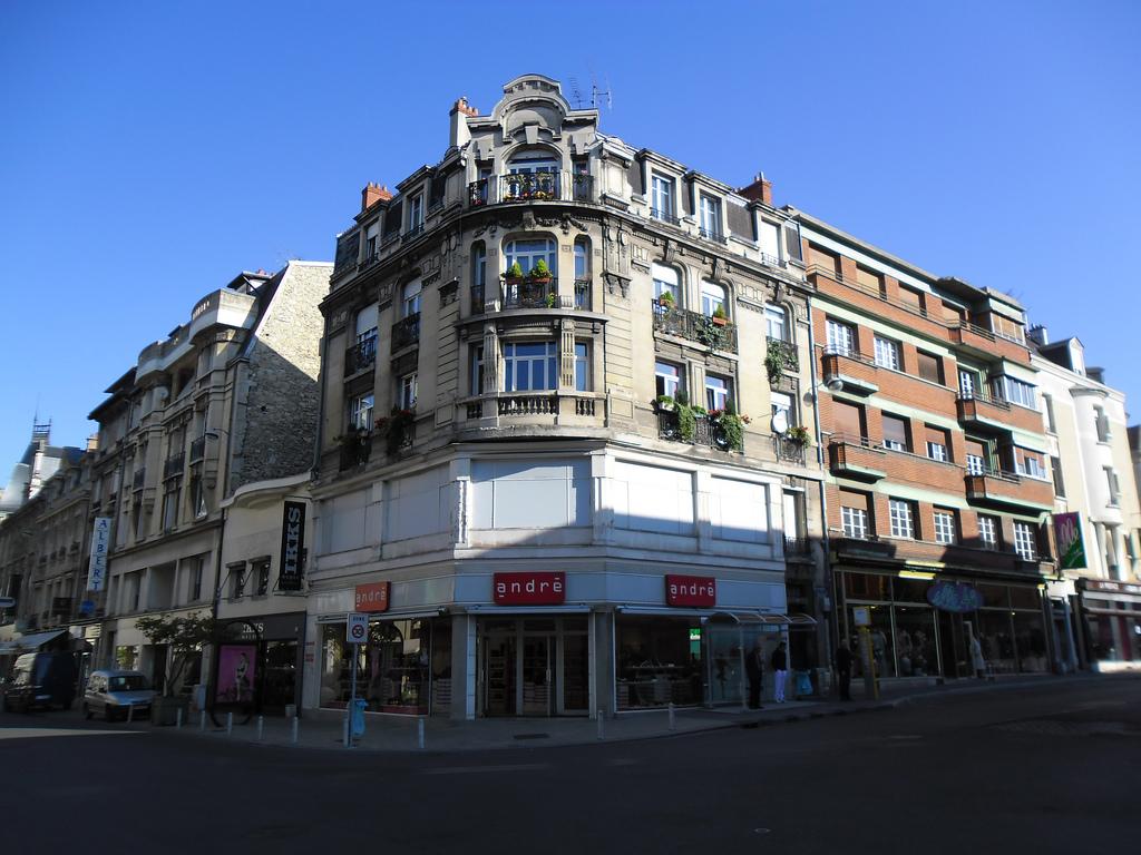Rue des lus wikip dia - Piscine talleyrand reims ...