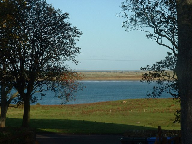 Ross Links from across Budle Bay from Budle - geograph.org.uk - 1554709