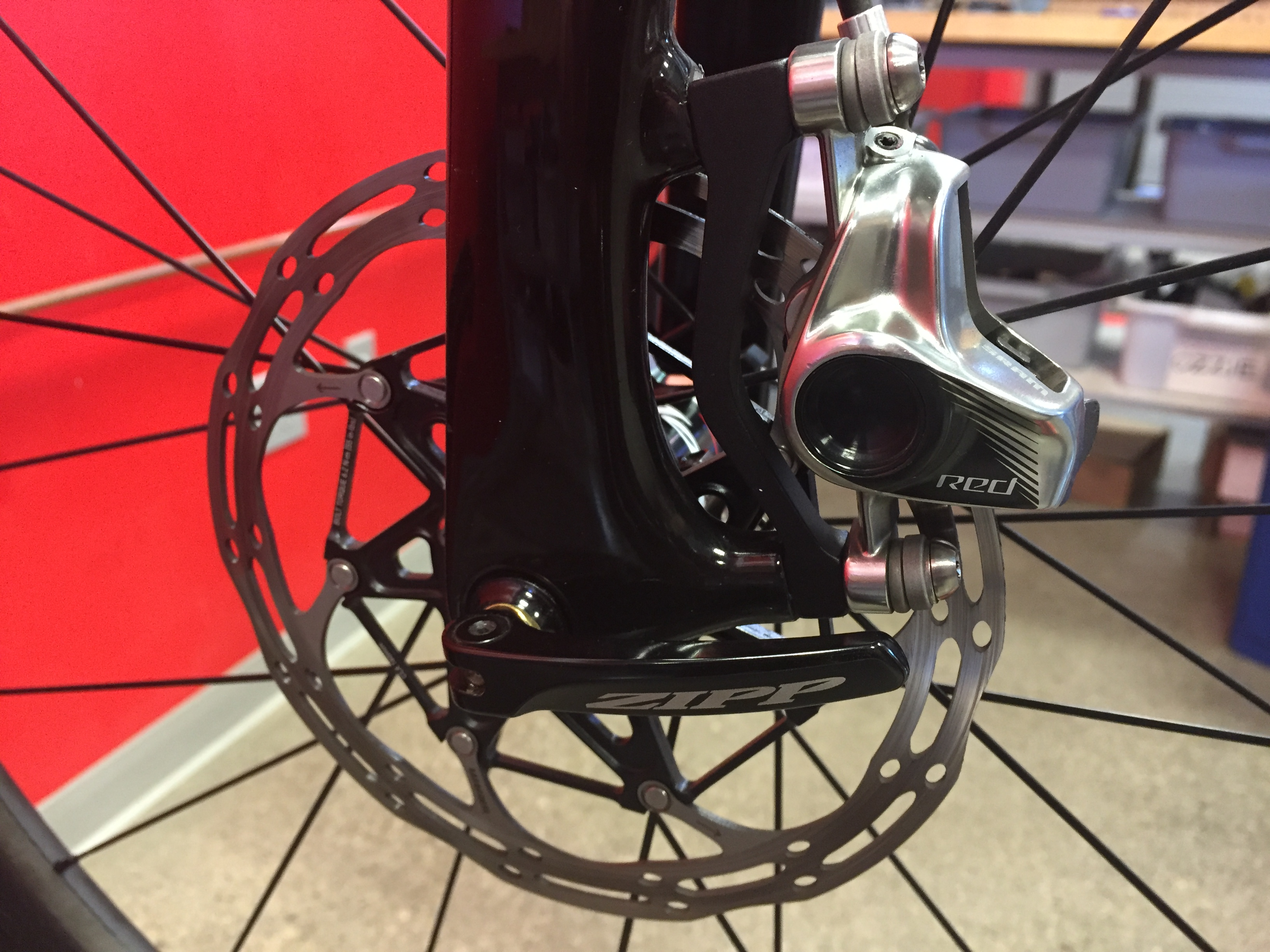 Electronic Gear Shifting System Wikipedia Alfine Di2 Wiring Diagram Sram Red Etap Hrd Caliper And Rotor Installed On Bike