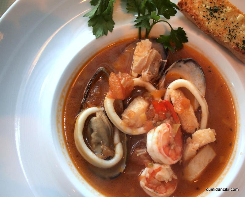 Zuppa di pesce wikipedia for Cucinare murena
