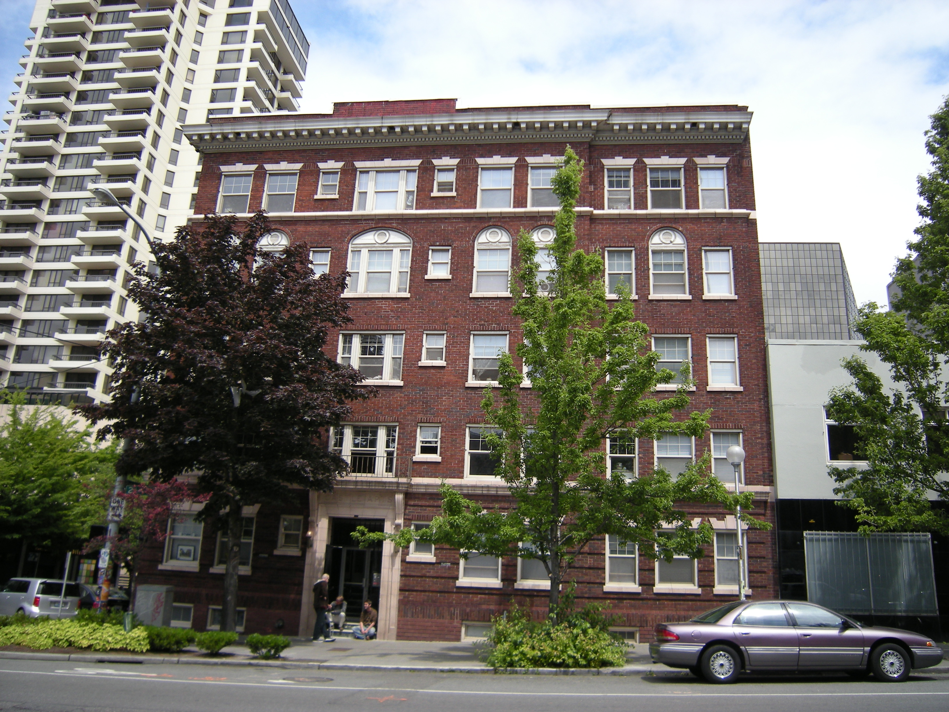 File Seattle Castle Apartments Wikimedia Commons