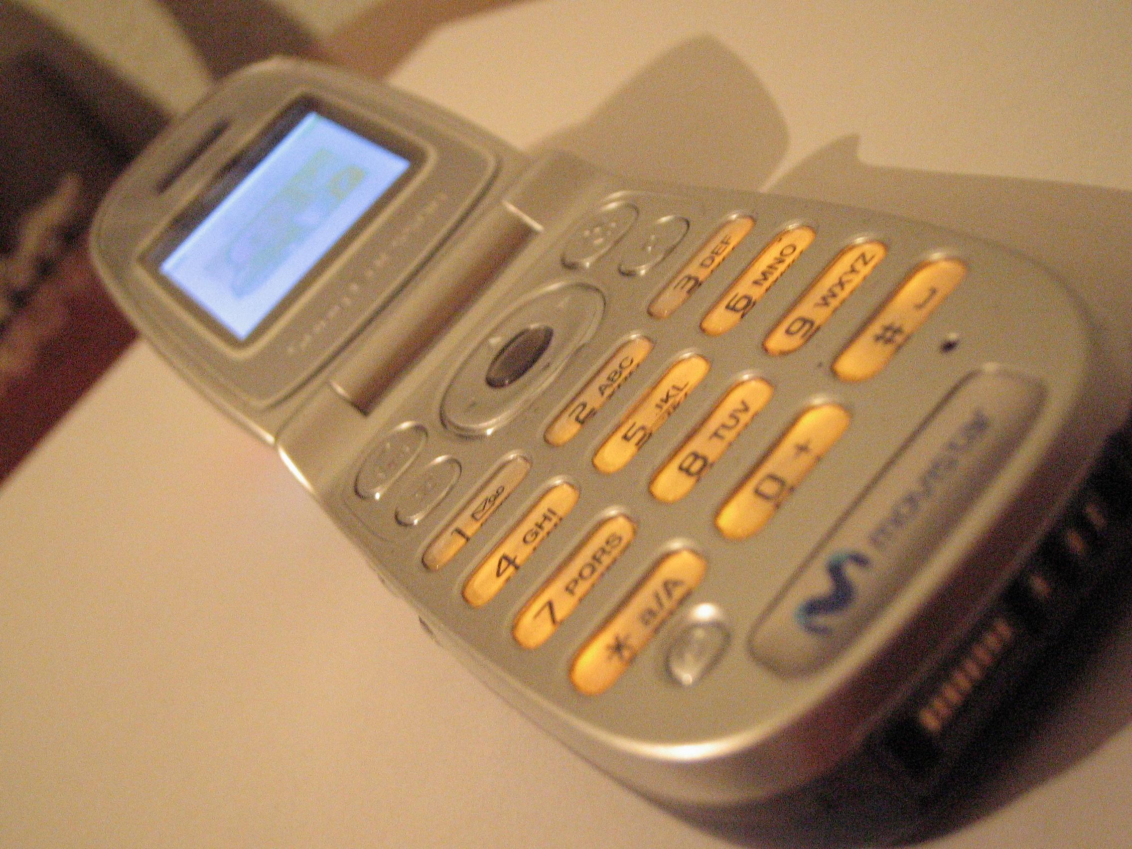 file sony ericsson z300i  madrid jpg wikimedia commons Sony Ericsson W910i Sony Ericsson Xperia