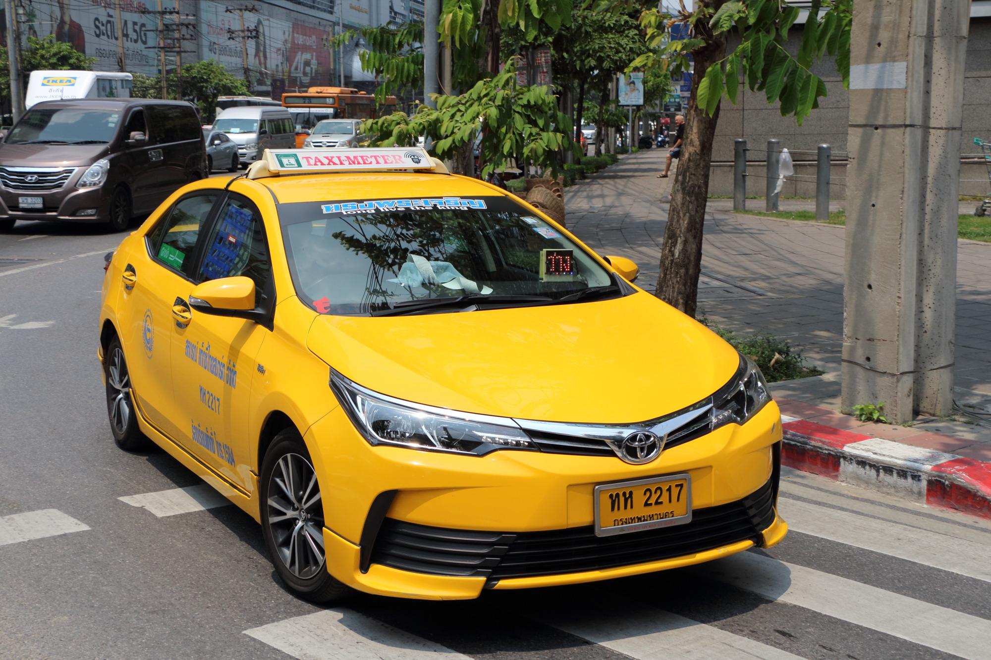 File:Taxi-meter in Bangkok 11 jpg - Wikimedia Commons