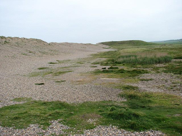 The shingle ridge and Gramborough Hill - geograph.org.uk - 825819