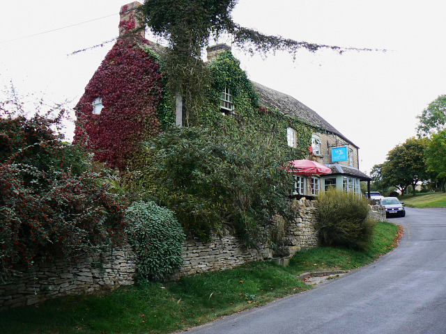 File:Tite Inn, Chadlington - geograph.org.uk - 1514913.jpg