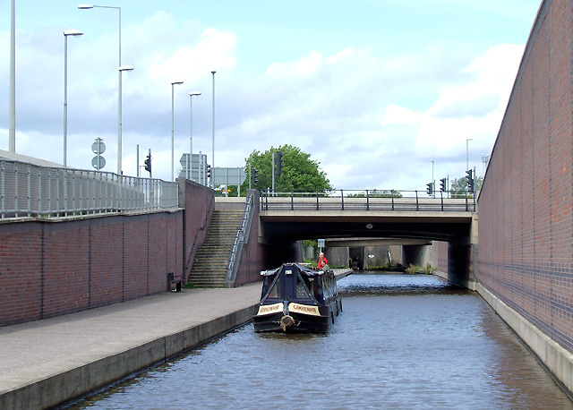 Trent and Mersey Canal in Stoke on Trent - geograph.org.uk - 1479040