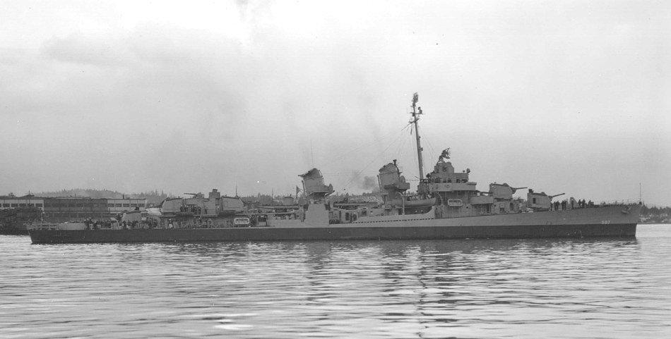 USS Wiley (DD-597) off the Puget Sound Naval Shipyard on 15 March 1945 (19-N-80801).jpg