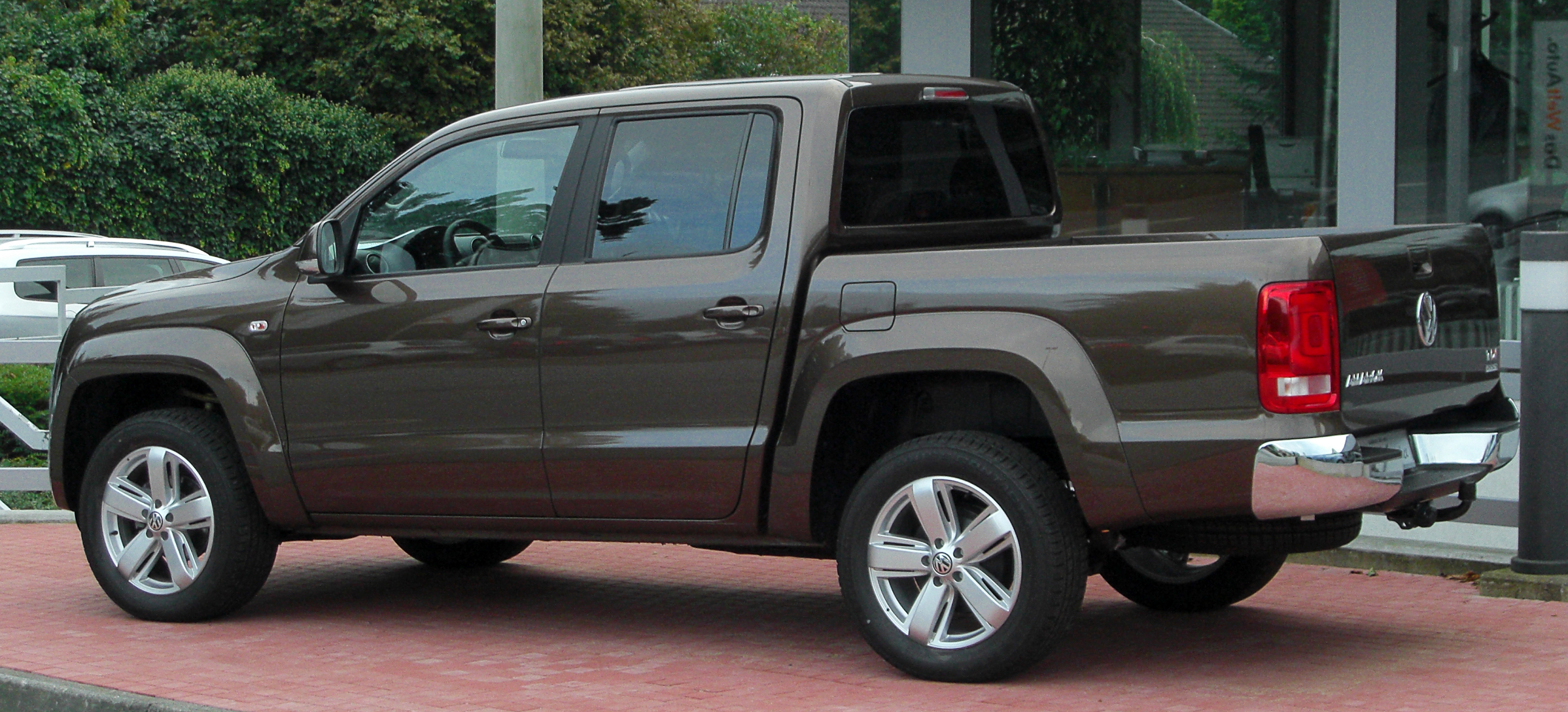 File:VW Amarok 2.0 TDI 4MOTION DC Highline rear-2 20100919 ...