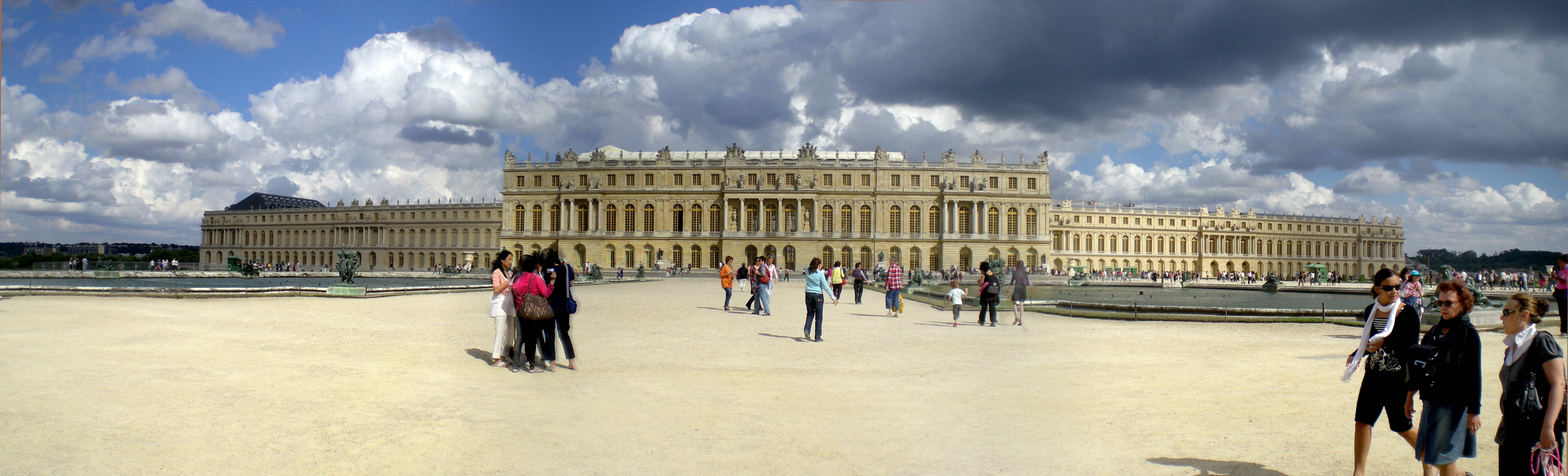 palace of versailles Discover why the palace of versailles was ranked #73 in it's '100 ultimate travel experiences of a lifetime' countdown.