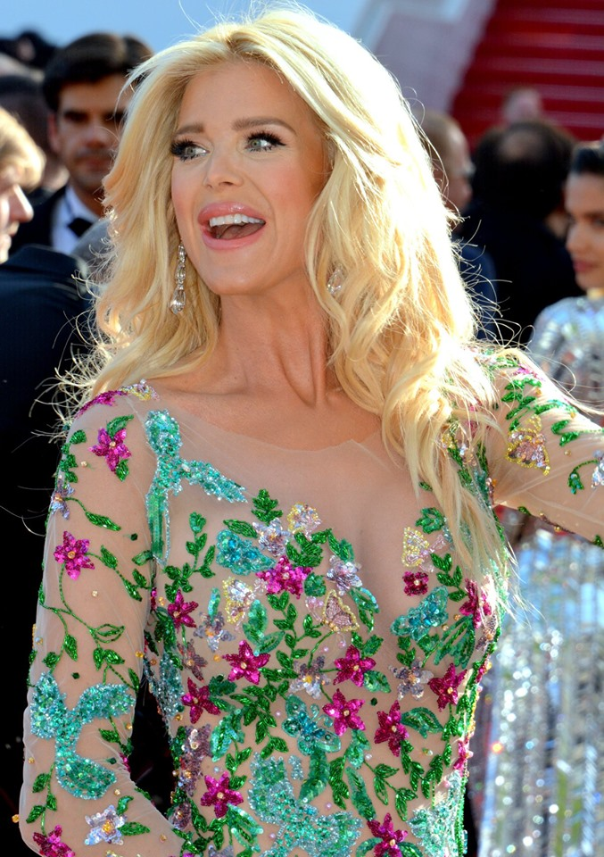 The 46-year old daughter of father (?) and mother Ulla Silvstedt Victoria Silvstedt in 2020 photo. Victoria Silvstedt earned a  million dollar salary - leaving the net worth at 15 million in 2020