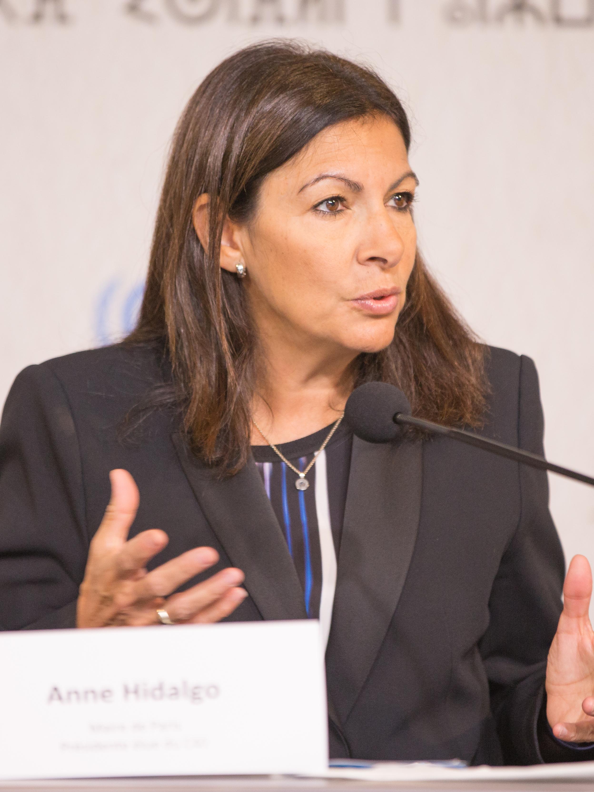 Anne Hidalgo - Wikipedia