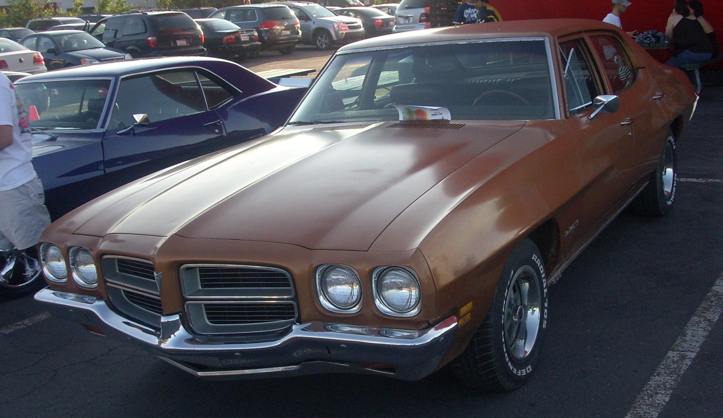 file 39 72 pontiac lemans sedan orange julep jpg wikipedia. Black Bedroom Furniture Sets. Home Design Ideas