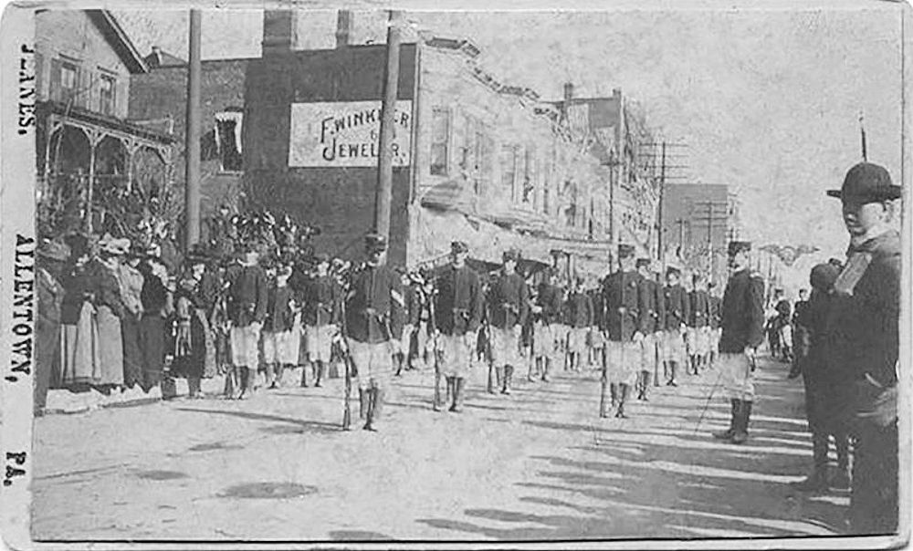 Spanish-American war troops