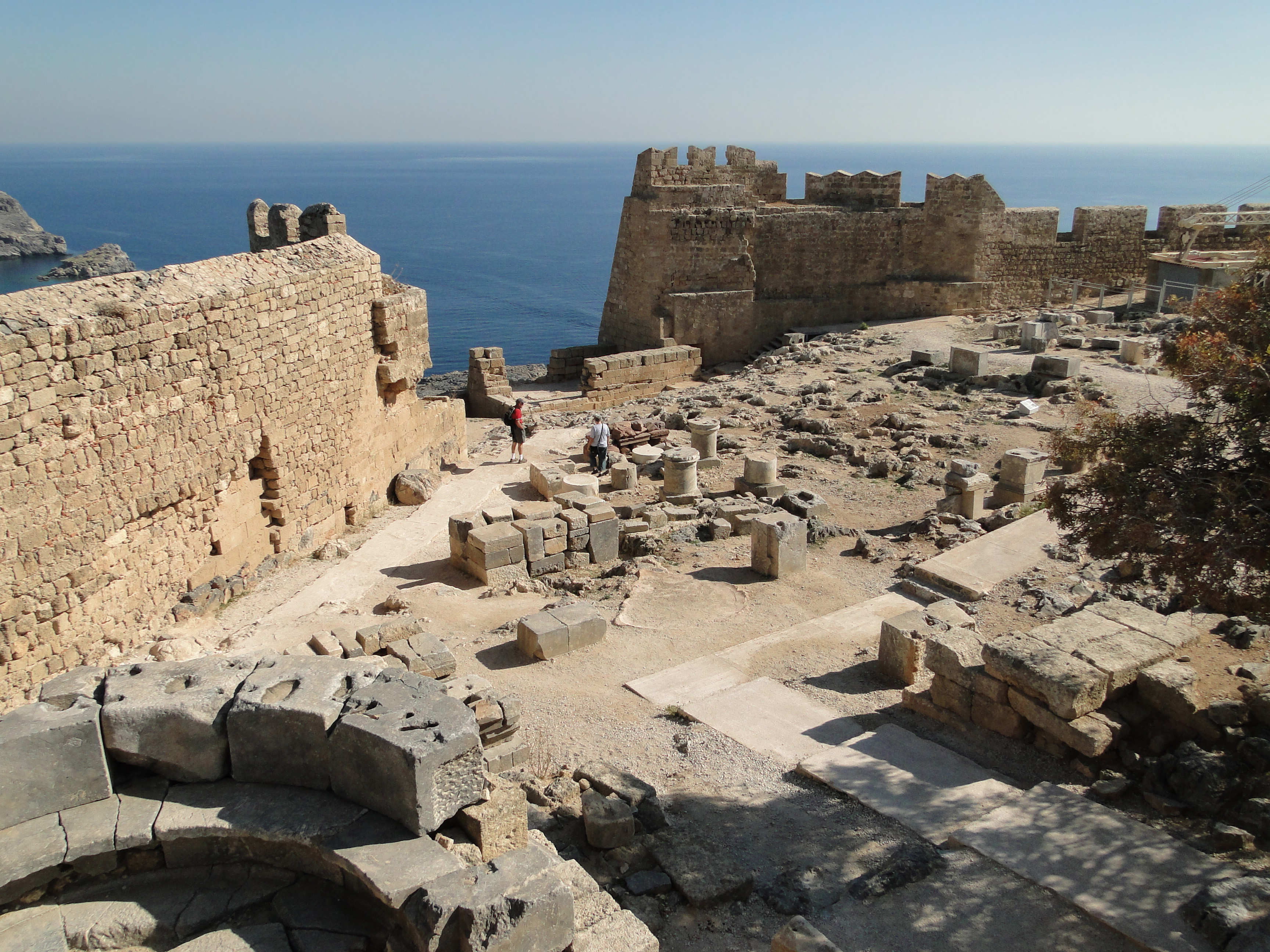 File:Acropolis of Lindos 01.jpg - Wikimedia Commons