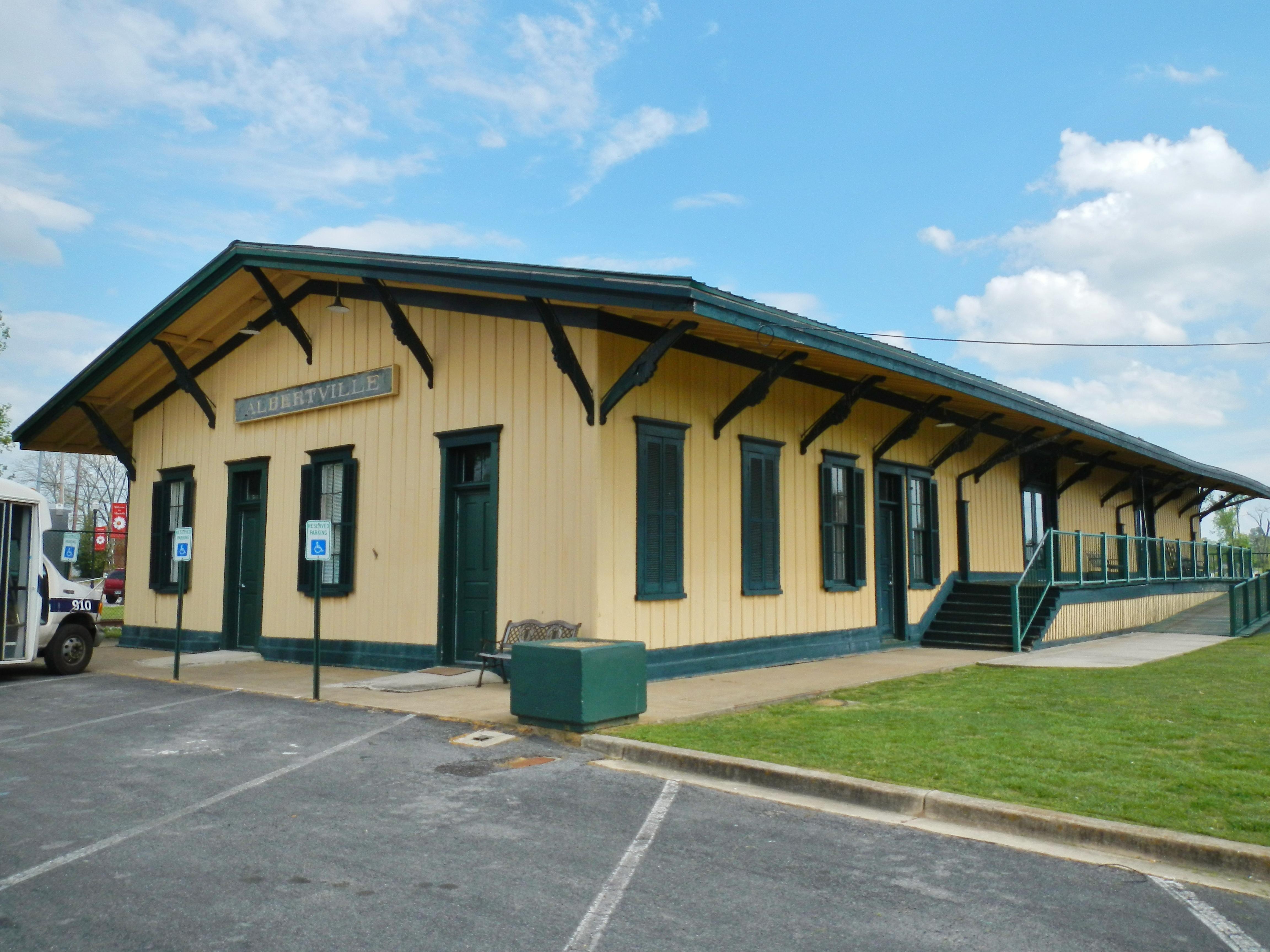 Colormaster albertville al - File Albertville Alabama Depot Jpg