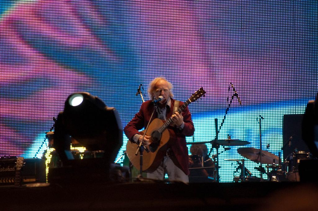 Cantilo en el año 2010 durante el Homenaje al Rock Nacional.