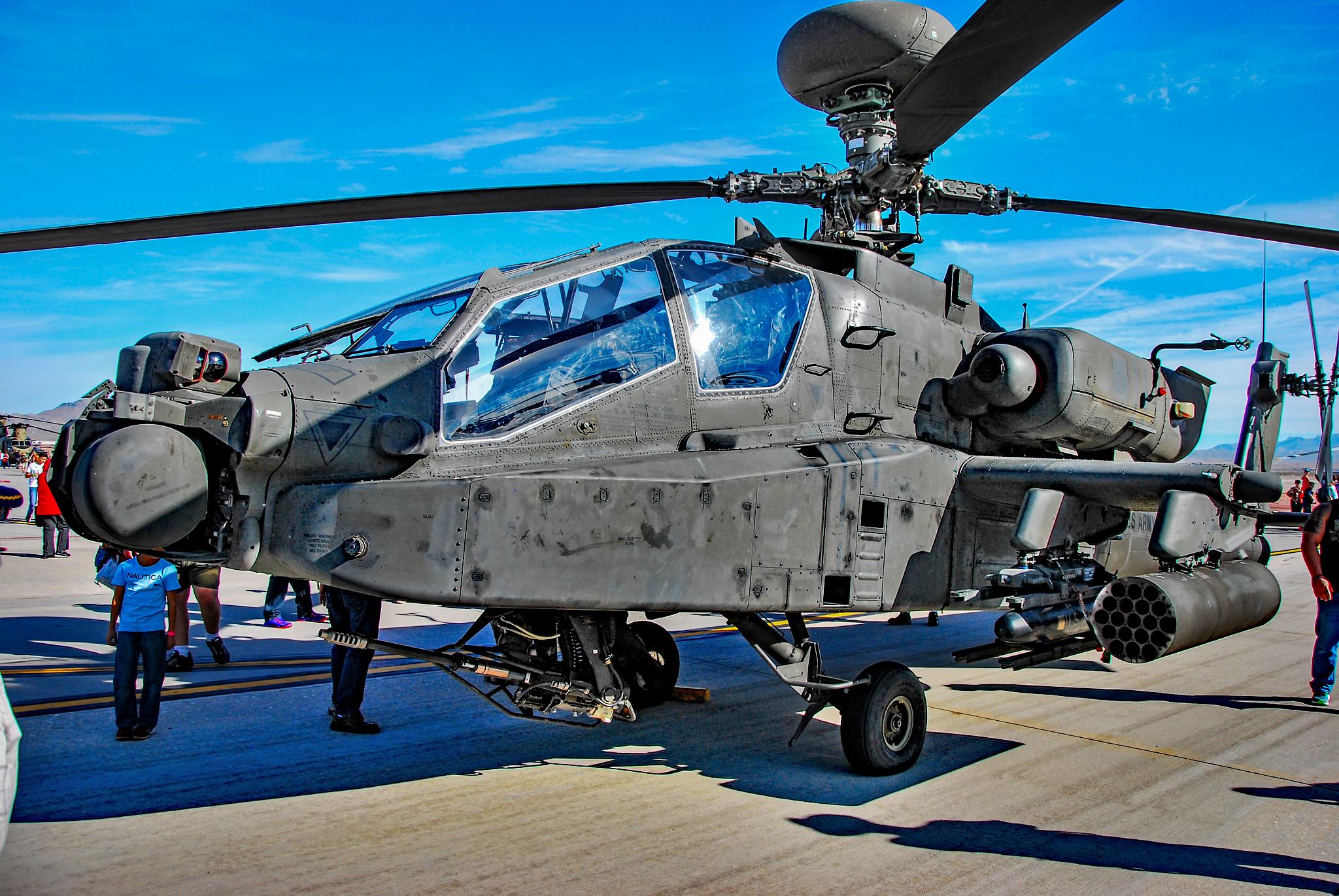 File:Boeing AH-64E Apache (30874933072).jpg - Wikimedia Commons
