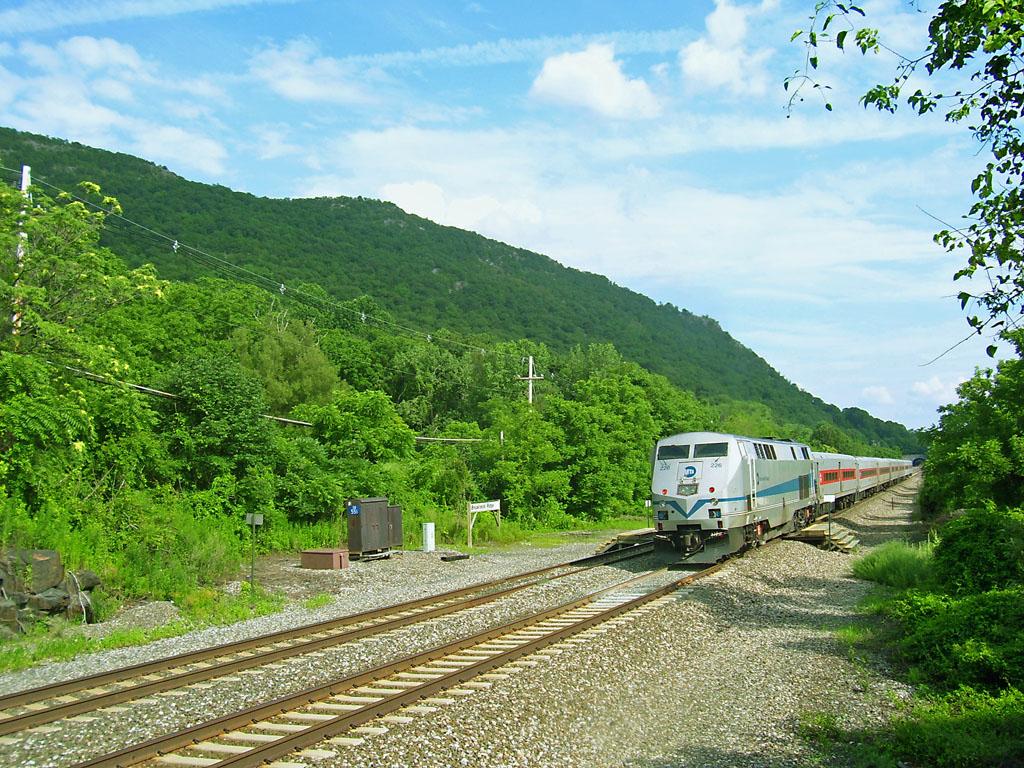 ファイル:Breakneck Ridge train station.jpg