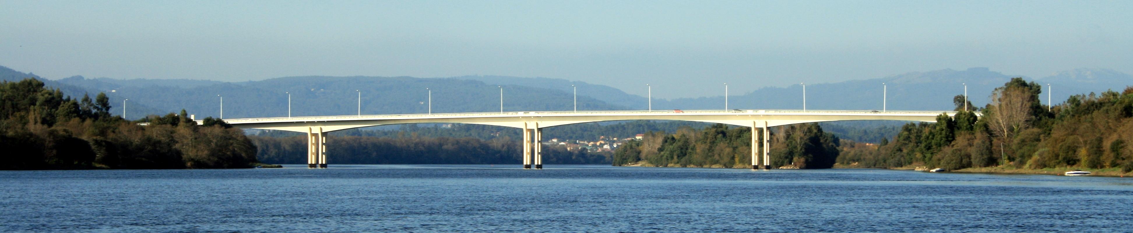 File bridge over minho river r o mi o in vila nova de cerveira wikimedia commons - Vilanova de cerveira ...