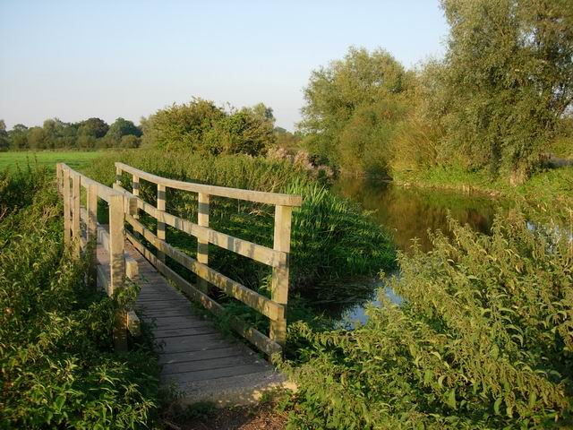 Bridge over ditch - geograph.org.uk - 551129
