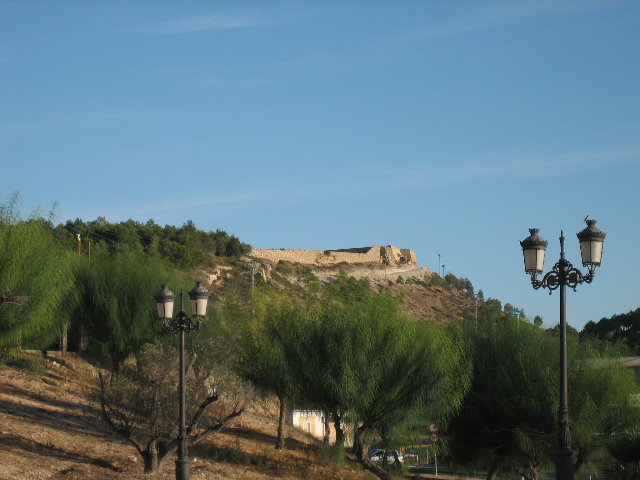 File:Castillo de Guardamar del Segura.jpg - Wikimedia Commons