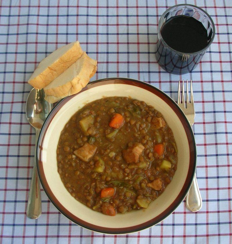 File catalan lentil soup jpg wikimedia commons for Arabic cuisine names
