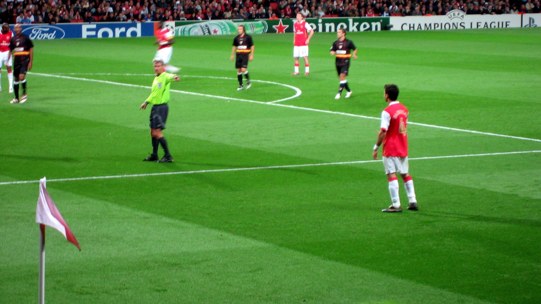 Arsenal Wikipedia: File:Cesc Fabregas Arsenal Sevilla.jpg