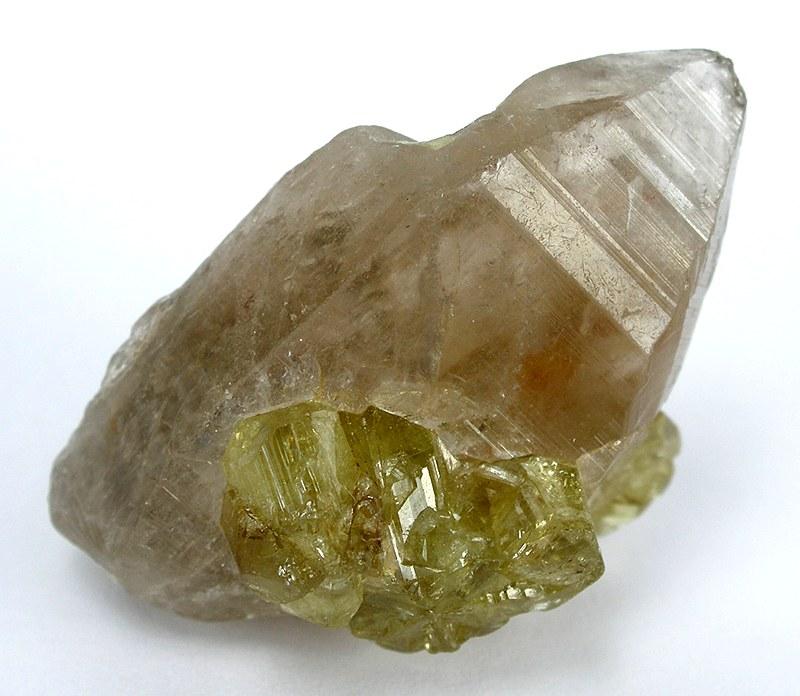 Minéraux et pierres précieuses - Page 24 Chrysoberyl-Quartz-tt09a