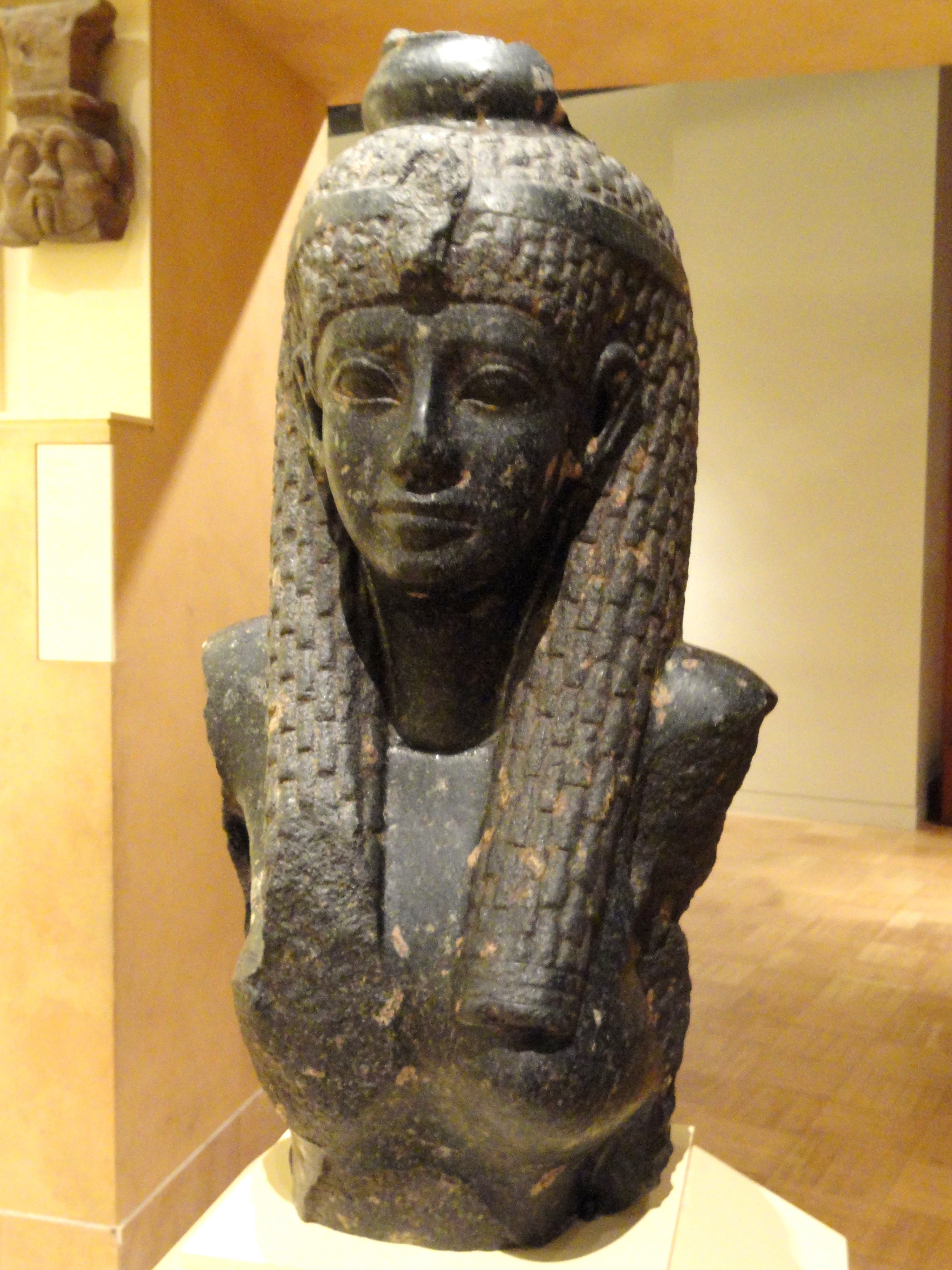 What Was Cleopatra S Natural Hair Color