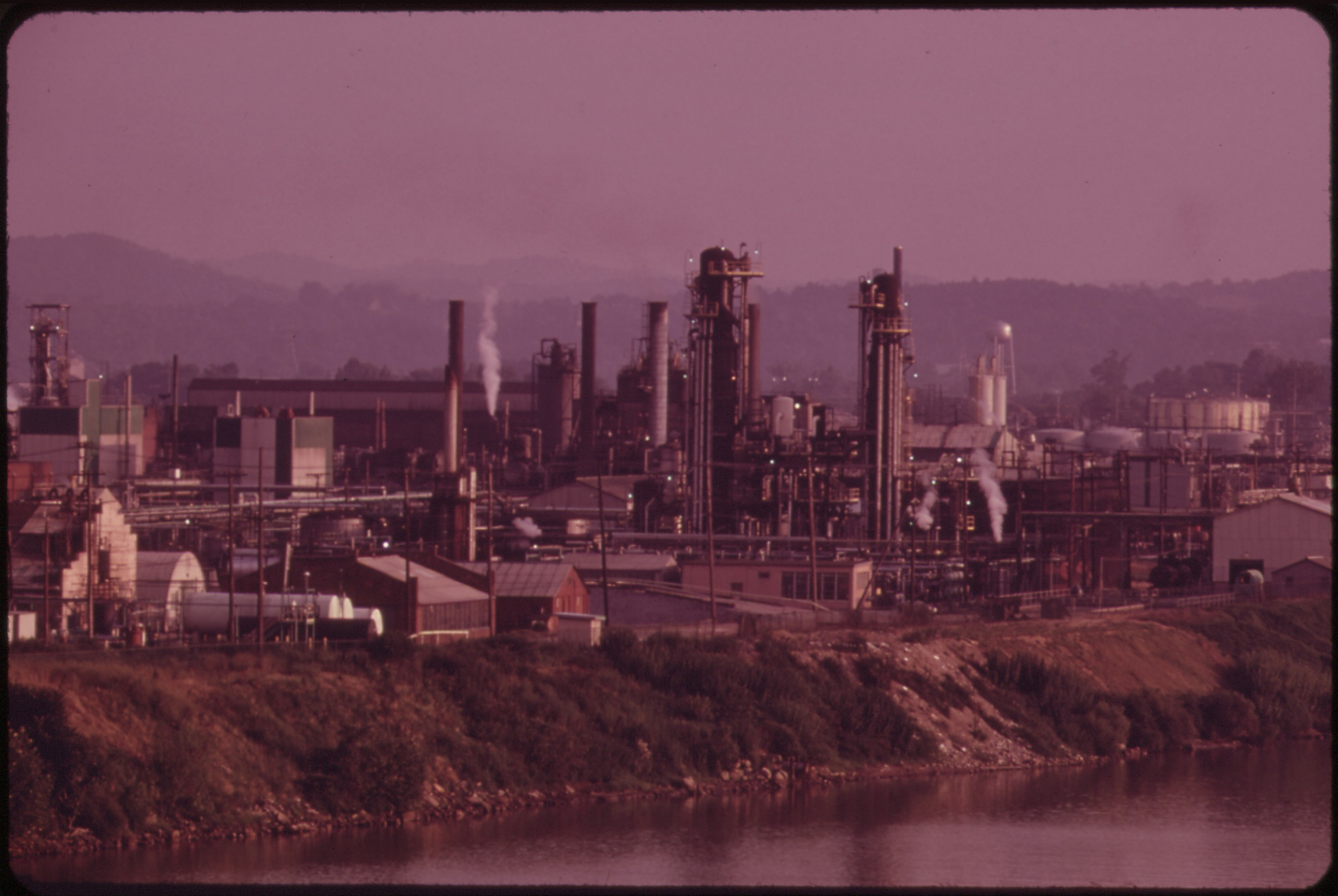 File Evening View Of The Monsanto And Fmc Chemical
