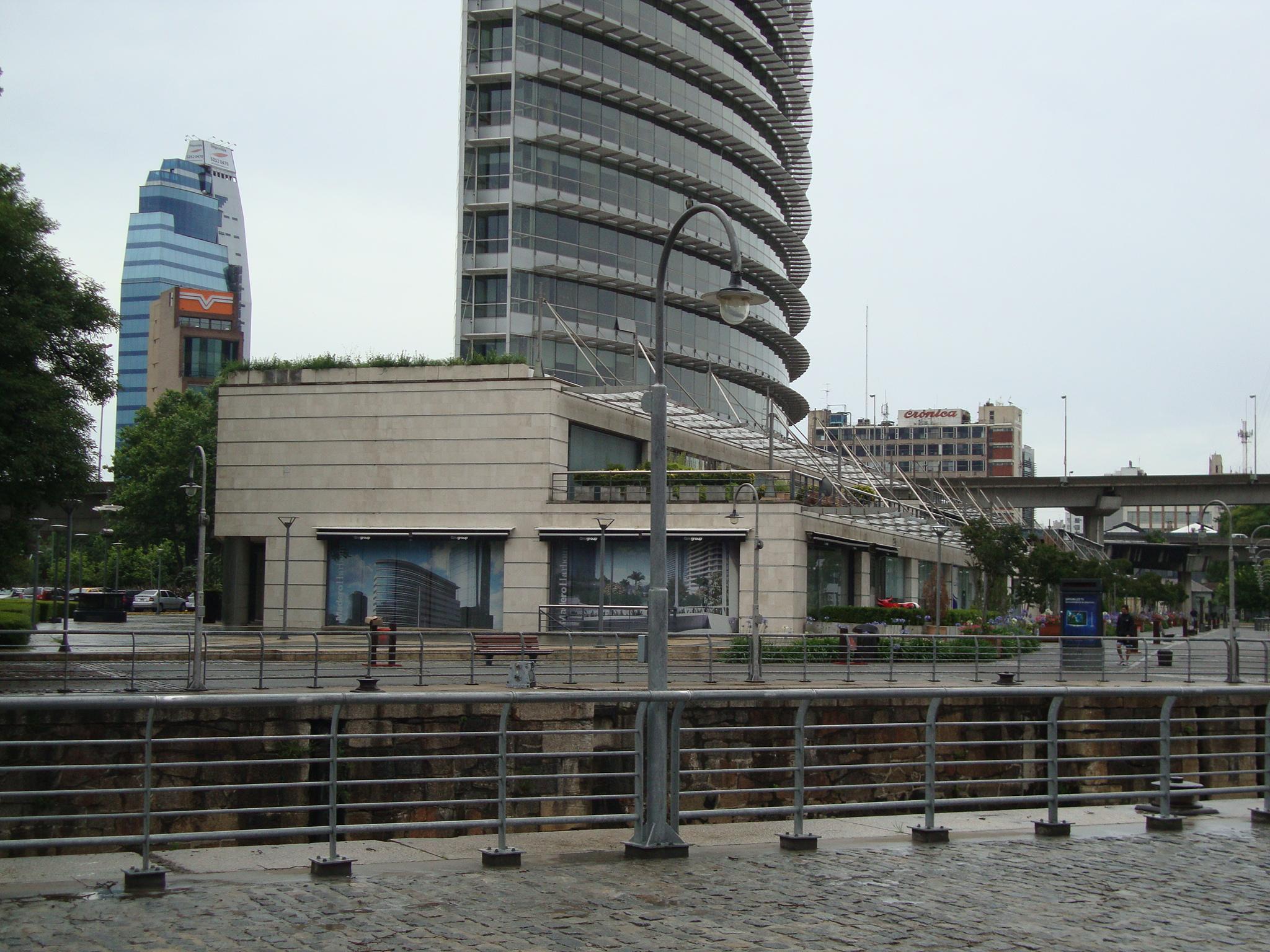 File:Edificio Malecón Basamento.JPG - Wikimedia Commons