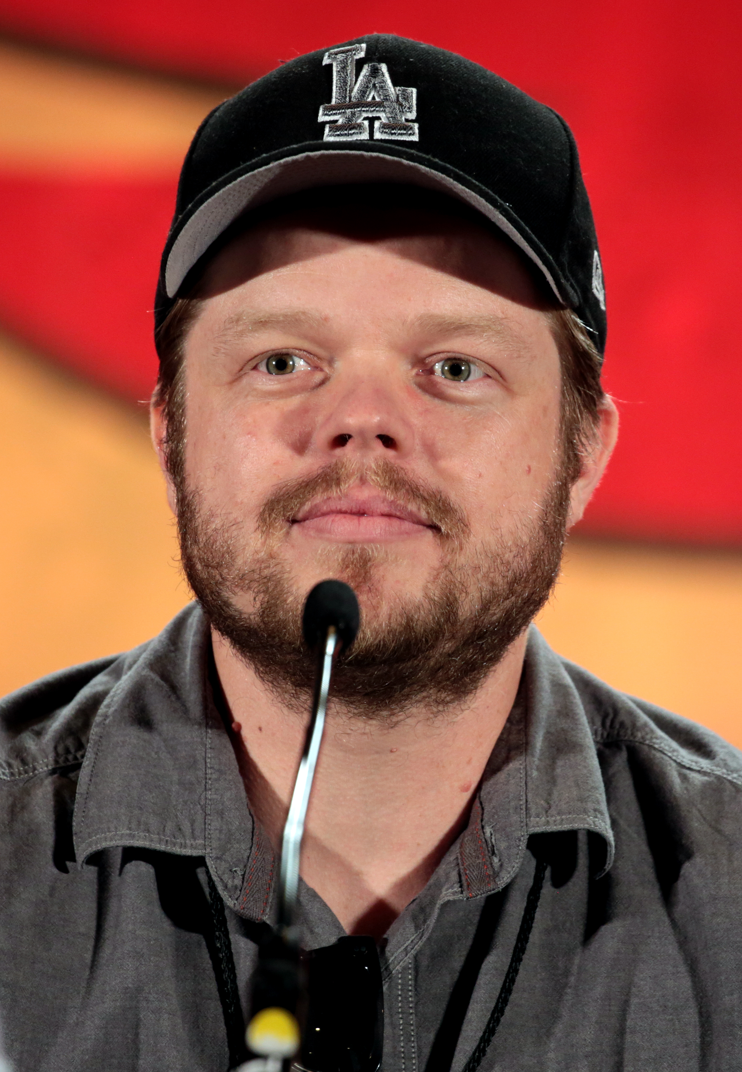 The 42-year old son of father (?) and mother(?) Elden Henson in 2020 photo. Elden Henson earned a million dollar salary - leaving the net worth at 5.4 million in 2020