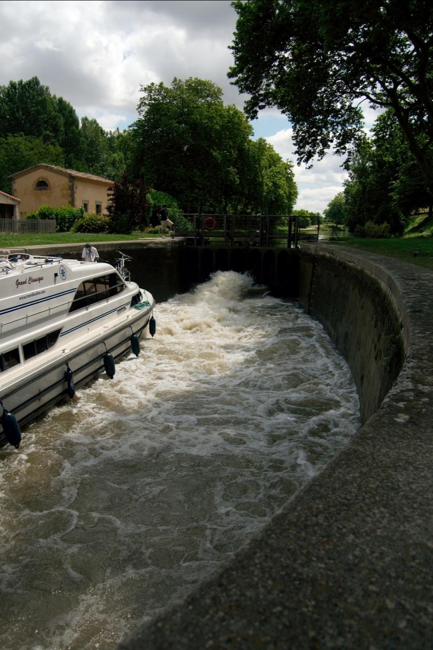 Emborrel Lock on the Canal du Midi.jpg
