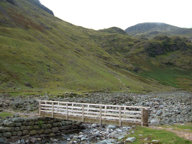 Footbridge over Oxendale Beck - geograph.org.uk - 539660