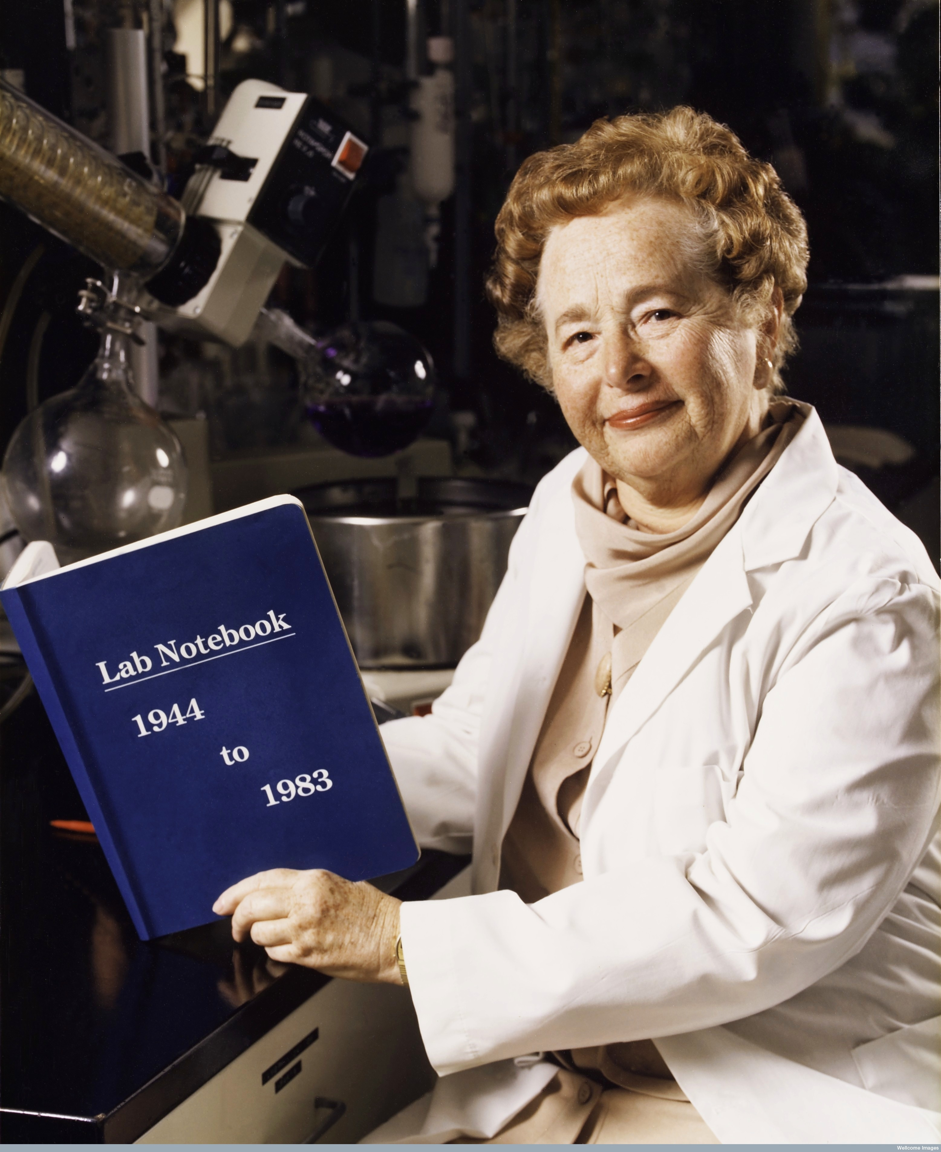 gertrude b elion Her parents were robert elion (dentist) and bertha cohen elion (housewife) gertrude had one younger brother, herbert elion, six years apart from her her mother was from poland and her father was from lithuania.