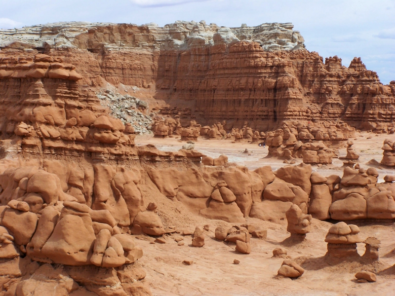 Goblin Valley State Park - Wikipedia on cathedral gorge state park map, yuba state park map, wisconsin state parks map, dead horse point state park map, manti-la sal national forest map, park city map, city of rocks national reserve map, utah map, valley of the gods map, wasatch mountain state park map, sand hollow state park map, east canyon state park map, vega state park map, mushroom rock state park map, canyon de chelly national monument map, rockport state park map, deer creek state park map, bear lake state park map, snow canyon state park map, grand valley map,