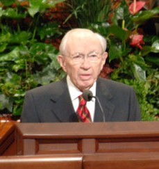 Gordon B. Hinckley, 2007.png